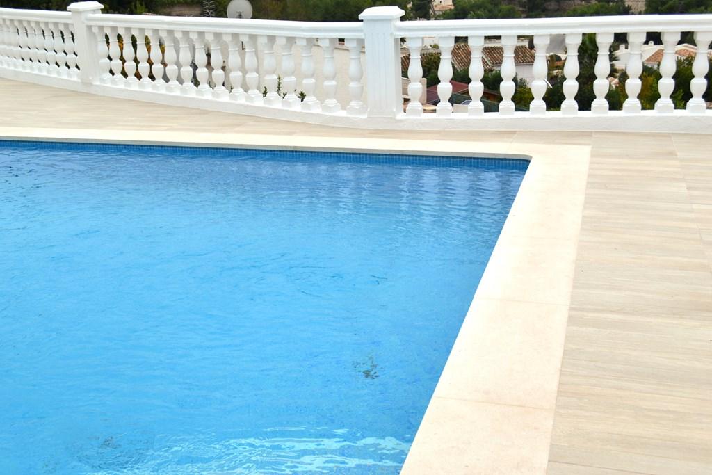 Coronaci n de piscina en caliza 4cm cauvells for Coronacion de piscinas precios
