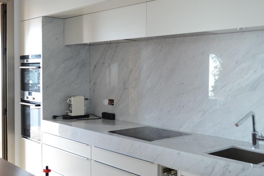 Encimera de cocina carrara cauvells for Piedra marmol para cocina